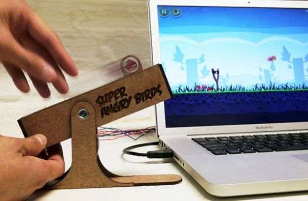 Il controller Super Angry Birds