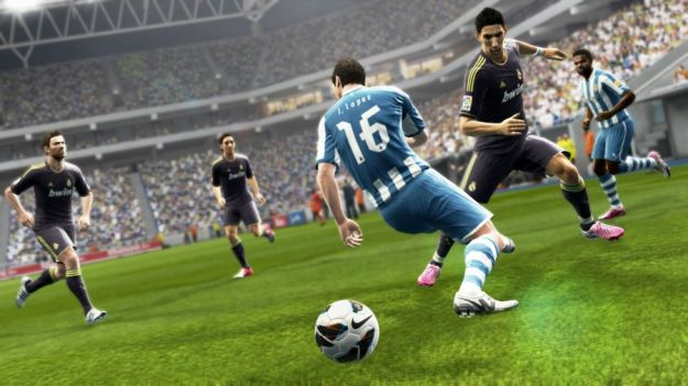 FIFA 13 o PES 2013? Qual  il miglior gioco di calcio?