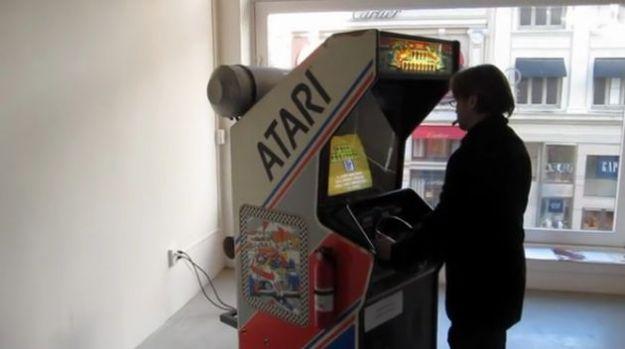 Giochi arcade il videogame di auto da corsa che emette for Giochi di macchine da corsa gratis