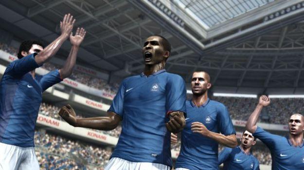 PES 2012: è disponibile per il download l'aggiornamento del calciomercato