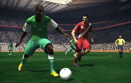 PES 2012 avrà anche una speciale edizione Soccer Deluxe