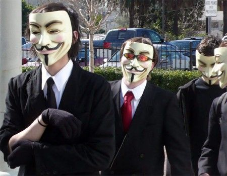 PlayStation Network smette di funzionare e Anonymous si difende!