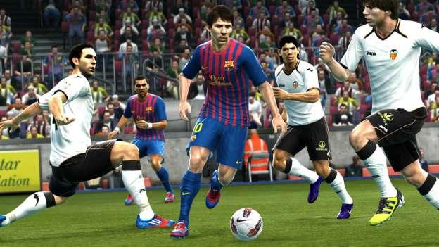 PES 2013: immagini del gioco di calcio di Konami