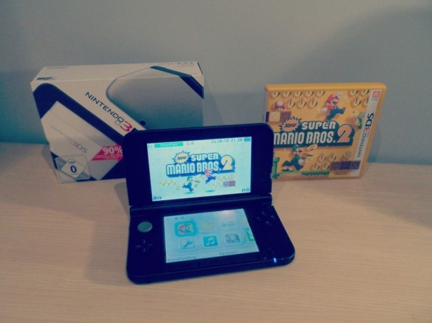 Nintendo 3DS XL con Super Mario Bros 2