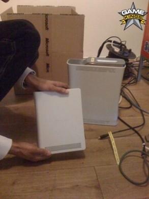 Xbox 360: le foto dell'edizione Slim?